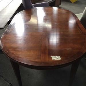 Table merisier ovale